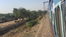 Train from New Delhi to Agra cantt